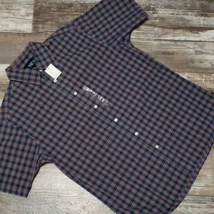 Gap button down size small